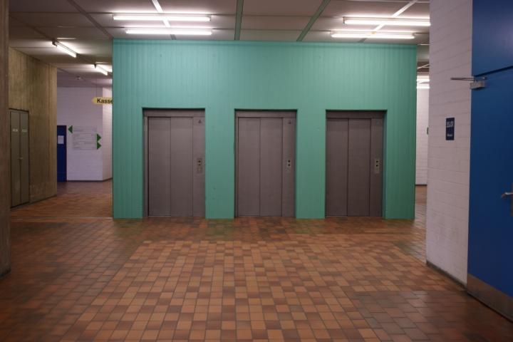 green elevator (c)